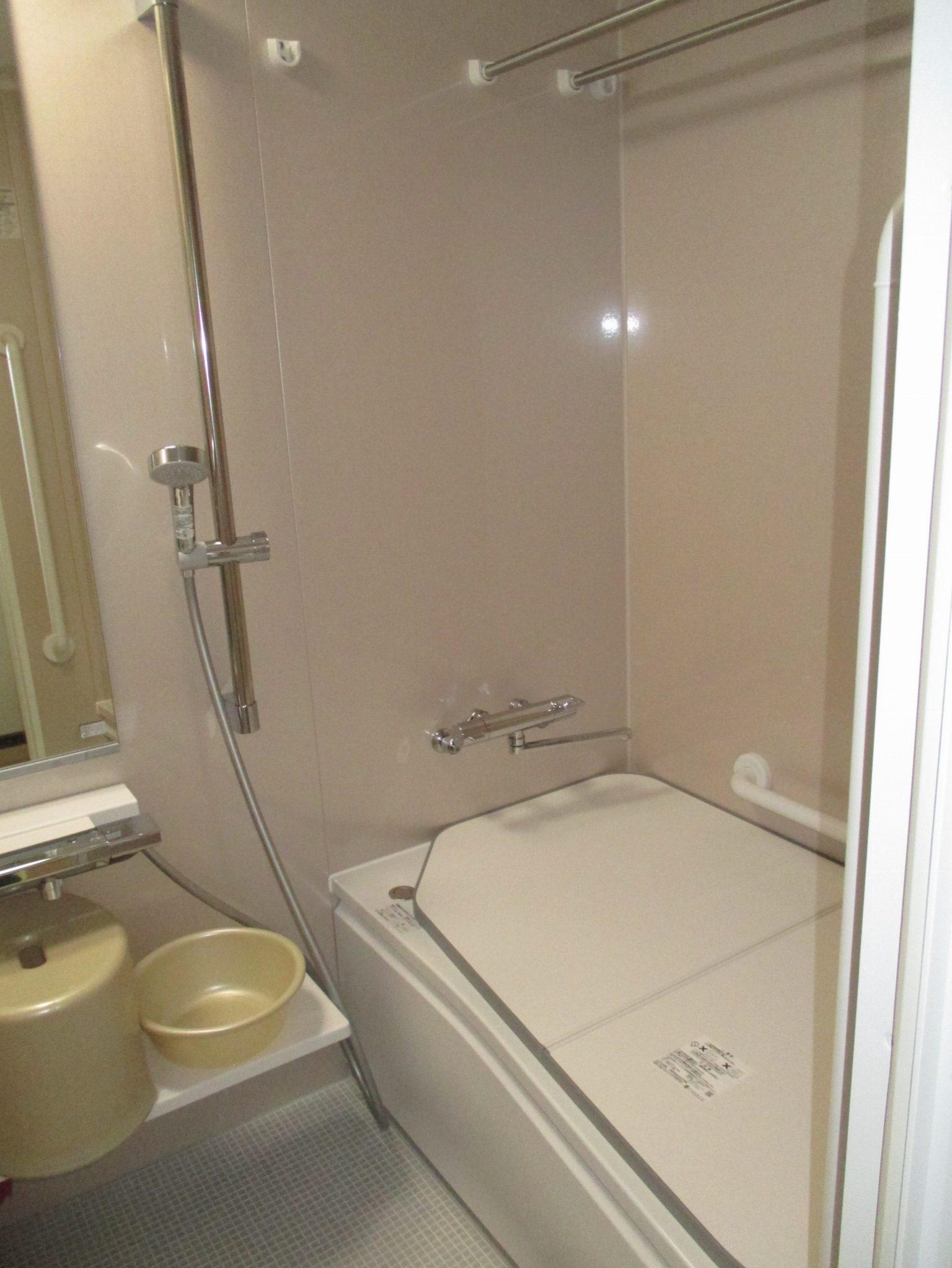 ブローバスでゆったりと快適に入浴ができるようになりました。<br /> もちろん高断熱浴槽でお湯も冷めにくくなり、換気乾燥暖房機で洗濯物も乾きやすくなりました。