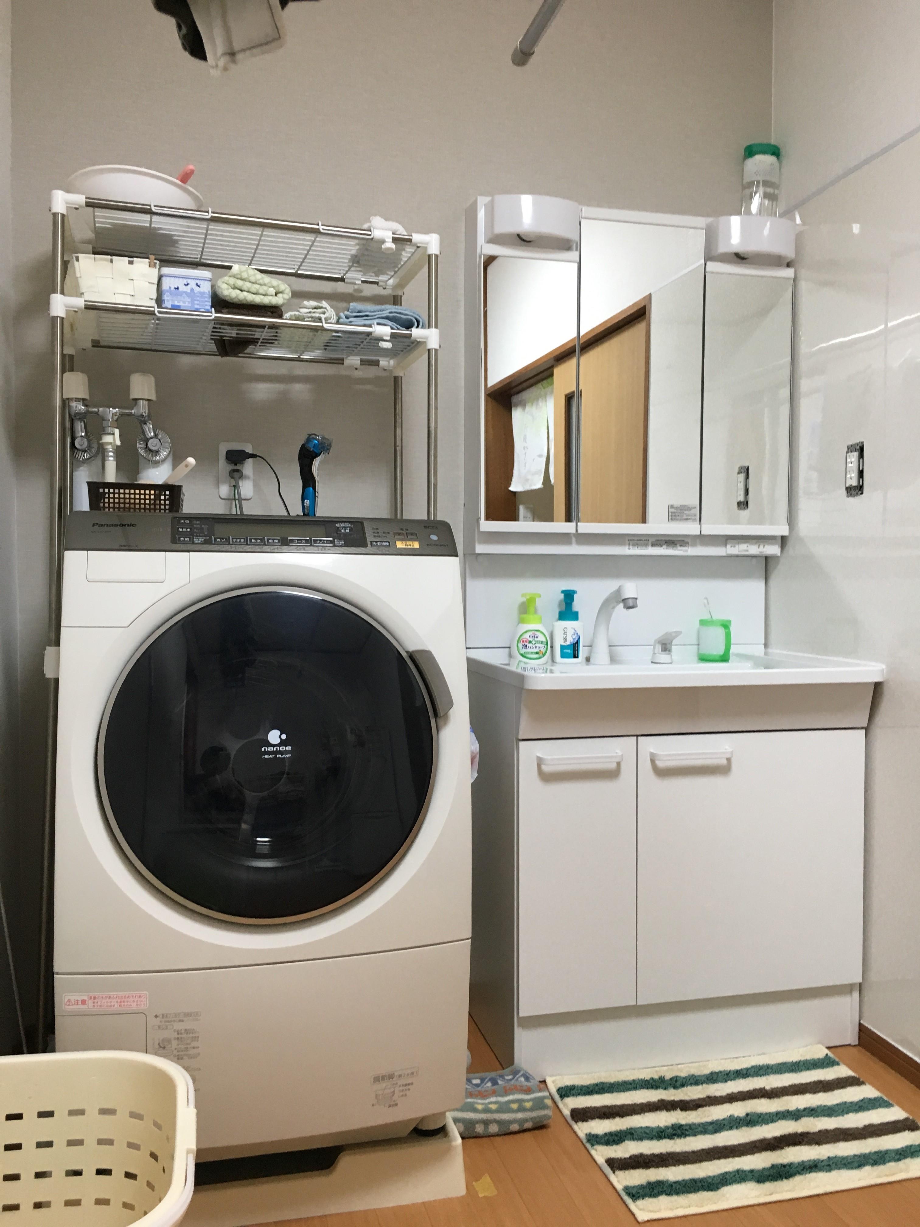 洗面台 TOTO Vシリーズ<br /> 洗濯機パンを設置